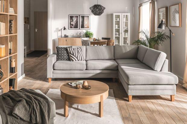 Sofa to serce salonu. W przestronnych salonach sprawdzą się modele narożne.