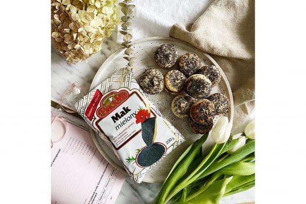 Już dziś warto pomyśleć ozakupie produktówpotrzebnych do przygotowania wypieków oraz tradycyjnych, wigilijnych dań. Na naszej liście, jak co roku ważne miejsce zajmują mak mielony oraz różne rodzaje orzechów tartych.
