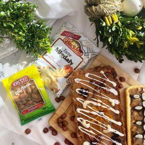 Orzechy ułatwiają przygotowywanie znanych i lubianych wypieków bożonarodzeniowych, takich jak orzechowiec, miodownik czy kruche rogaliki. Fot. Fot. BackMit