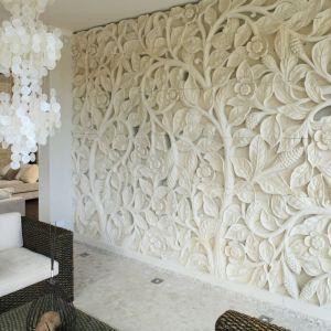 Kamień prowadzony z Bali zrobi efekt wow! w każdym salonie. Projekt Karolina Łuczyńska. Fot. Bartosz Jarosz