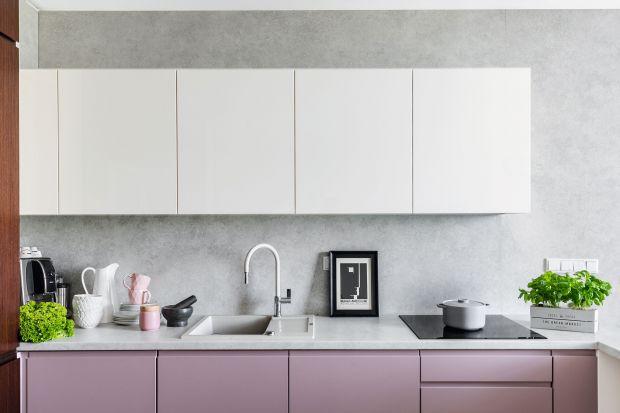 Ściana nad blatem to nie tylko płytki. Zobaczcie po jakie modne rozwiązania na ścianę w kuchni sięgają projektanci wnętrz.