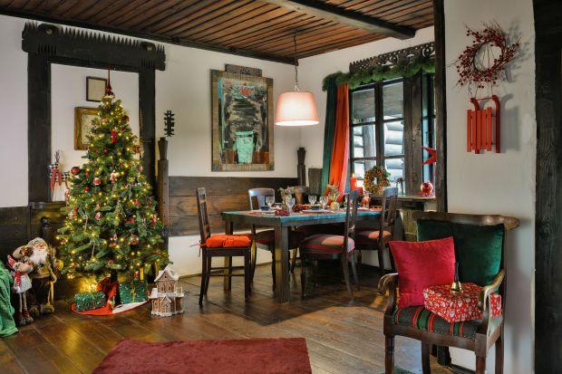 Choinka to podstawowy element świątecznej dekoracji naszych domów i mieszkań. Czy jednak wiecie jaki gatunek drzewka wybrać? Który będzie najlepszy? Na co zwrócić uwagę kupując choinkę? Przygotowaliśmy dla was kilka bardzo praktycznych wskaz�