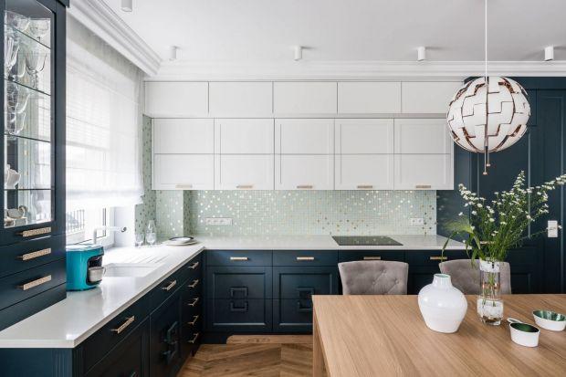Jak wykończyć ścianę nad blatem w kuchni? Polecamy modne płytki ceramiczne. Są trwałe i pięknie wyglądają. Zobaczciekilka fajnych pomysłów na wykończenie ściany nad blatem w kuchni płytkami.
