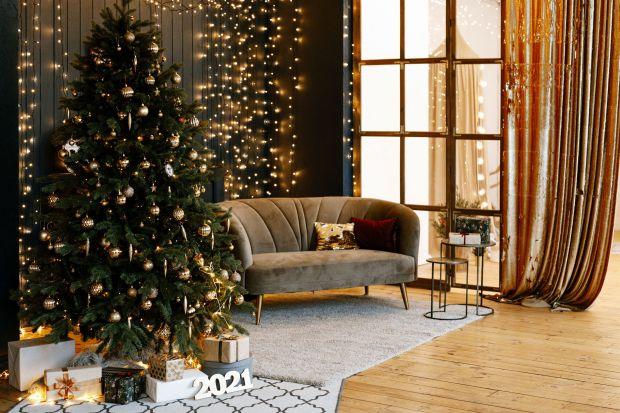 Święta coraz bliżej czas więc już pomyśleć o pięknych dekoracjach do wnętrza. Jednym przypadnie do gustu zieleń i bliskość natury, innym elegancka czerń i złoty blask. Zobaczcie kilka fajnychpomysły na świąteczne aranżacje wnętrz i ok