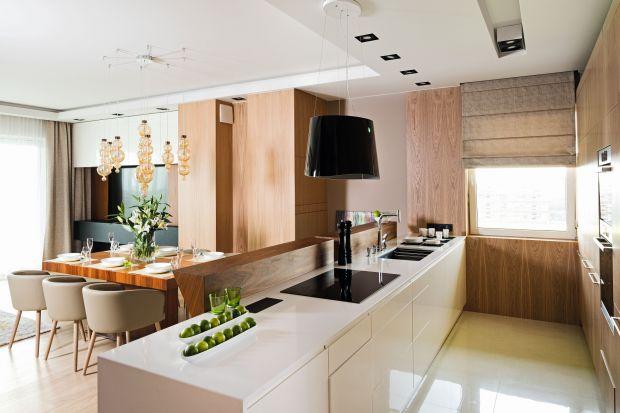 Szuflada to doskonałe miejsce na przechowywanie w kuchni. Dzięki pełne wysuwowi zapewnia łatwy dostęp do produktów i akcesoriów kuchennych. A to nie wszystkie zalety szuflady w kuchni!