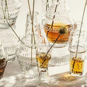 Hop on Top, nowa kolekcja szkła, którą dla Huty Julia zaprojektowała Magdalena Gazur. Cena: 159,92 - komplet 4 kieliszków, 575 zł - zestaw butelka - karafka i 2 szklanki. Fot. Huta Julia