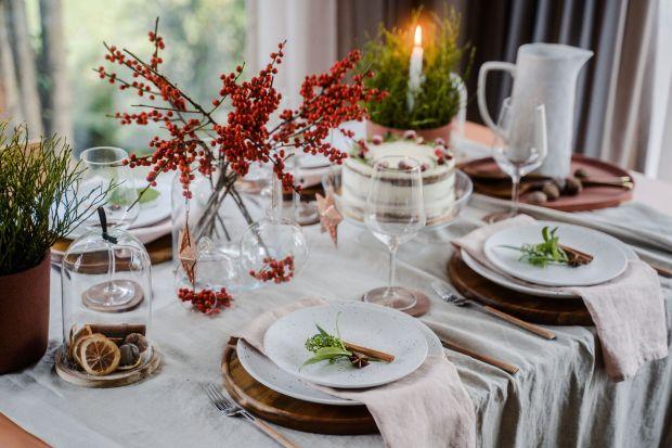 Przez najbliższe tygodnie domowy stół będzie centrum naszego domu. Piękna ceramika i dekoracyjne szkło pozwolą uczynić z niego także najważniejszą ozdobę wnętrza. Dekorując, sięgnijmy po to, co o tej porze roku daje nam natura - gałązki i