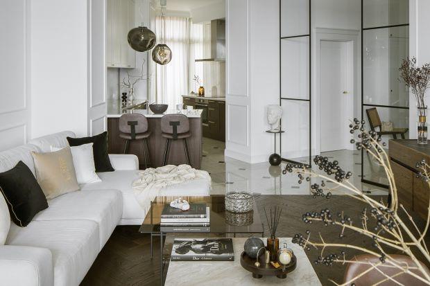 Nonszalancka elegancja, stonowane barwy, wszechobecny artyzm… z tym właśnie kojarzy nam się wysmakowany styl paryskich mieszkań. Przeniesienia tych założeń na nasz rodzimy grunt podjęła się projektantka Katarzyna Szostakowska, właścicielka s