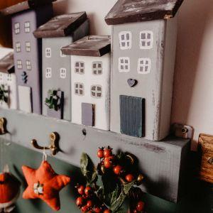 Świąteczna ozdoba - wieszak DIY. Zdjęcia i realizacja: blog Dom z duszą.
