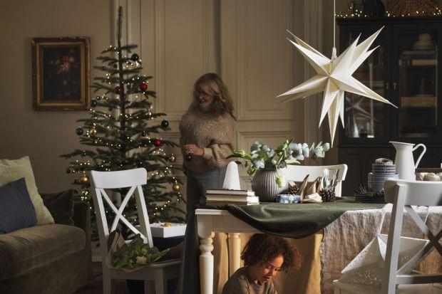 Szukacie inspiracji jak udekorować dom na święta? Zobaczcie zdjęcia ze świątecznej kolekcji IKEA na 2020 rok. Jest ciepło, przytulnie i w ekologicznym klimacie!