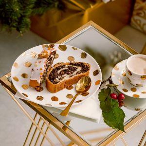 Na stole nie może zabraknąć świątecznych dekoracji. Fot. Home&You