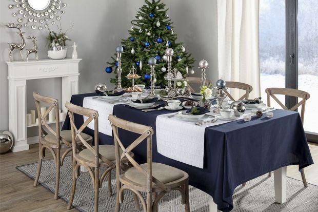 Już wkrótce zasiądziemy przy wigilijnym stole, który w czasie Świąt Bożego Narodzenia stanie się najważniejszym punktem w naszych domach. Warto więc zadbać o jego wyjątkową oprawę. Jak to zrobić? Jakich dekoracji użyć, aby podkreślić wa