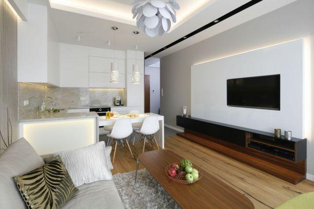 Jaką szafkę pod telewizor wybrać? Szukacie inspiracji do swojego salonu? Pomysły na fajne szafki pod telewizor znajdziecie w naszym przeglądzie.