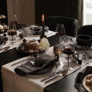 Pięć powodów, dla których świąteczna stylizacja Black & White może być dla Ciebie tą jedyną! Fot. Westwing