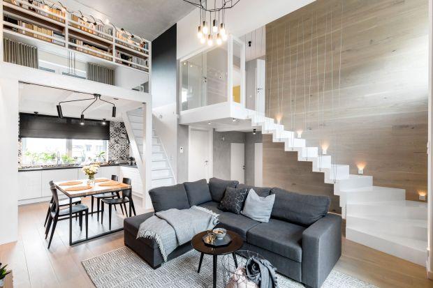 Mieszkanie powstało z myślą o rodzinie 2+2.Znajduje się na modelowym osiedlu Wuwa 2 we Wrocławiu. Wnętrze jest jasne i bardzo wygodne. Pięknie łączy się w nim się beton, cegła i drewno.