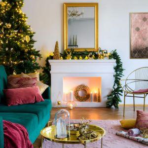 Pomysł na świąteczną aranżację salonu i piękne Bożonarodzeniowe dekoracje. Fot. Leroy Merlin
