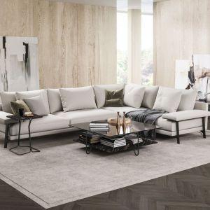Salon w modnych kolorach ziemi - mocny trend na 2021 rok. Na zdjęciu sofa Onyx marki Italmeble. Fot. mat. prasowe Domar