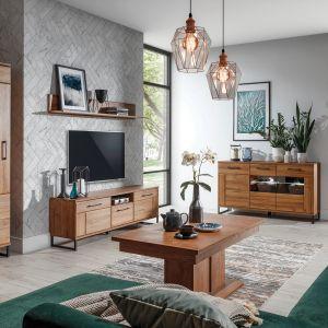 Meble do salonu w kolorze drewna z kolekcji Ivor dostępne w ofercie Salonów Agata. Fot. Salony Agata