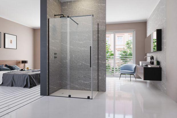 Wśród kabin prysznicowych wyróżniamy modele z drzwiami otwieranymi na zewnątrz, do wewnątrz, składanymi, wahadłowymi lub przesuwnymi. Kiedy zdecydować się na ostatni wariant? Do jakiej łazienki kabina z drzwiami przesuwnymi będzie najbardziej