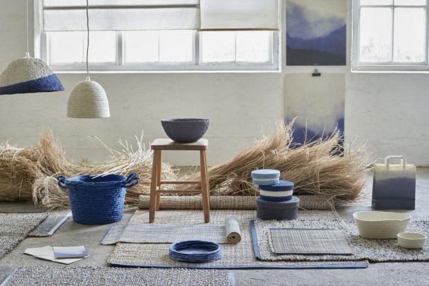 Produkty z najnowszej kolekcji pomogą nam wprowadzić do wnętrza modne odcienie niebieskiego – inspirowane kolorami czystego nieba, ale również zrobić krok w stronę wyborów bardziej przyjaznych dla klimatu.