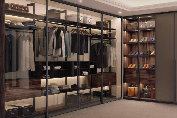 Jak przygotować miejsce na prezenty w garderobie