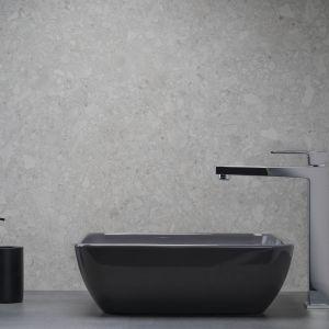 Kolekcja baterii Logon idealnie pasuje do łazienek w loftowym i nowoczesnym stylu. Cena: 598 zł - bateria nablatowa. Producent: Armatura Kraków