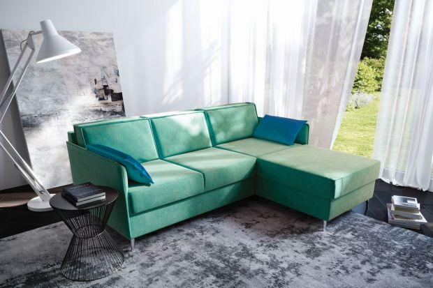 Jakie kanapy będą modne w 2021 roku? Jakie kolory będę cieszyły się zainteresowaniem? Sprawdźcie, co noworocznych trendach mówią projektanci i jak na to swoją ofertą reagują producenci mebli. Zapowiadają, że będzie komfortowo i kolorowo.<