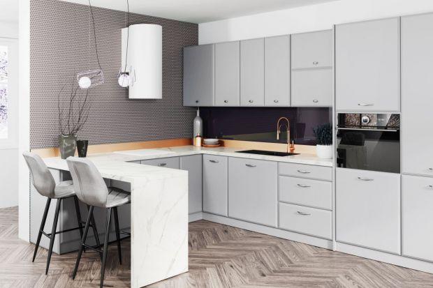 Kolor szary we wnętrzach jest dziś odmieniany przez wszystkie przypadki. Gości na ścianach, tekstyliach, meblach i dekoracjach. Jak wykorzystać ten kolor w kuchni? Zobaczcie!<br /><br /><br />