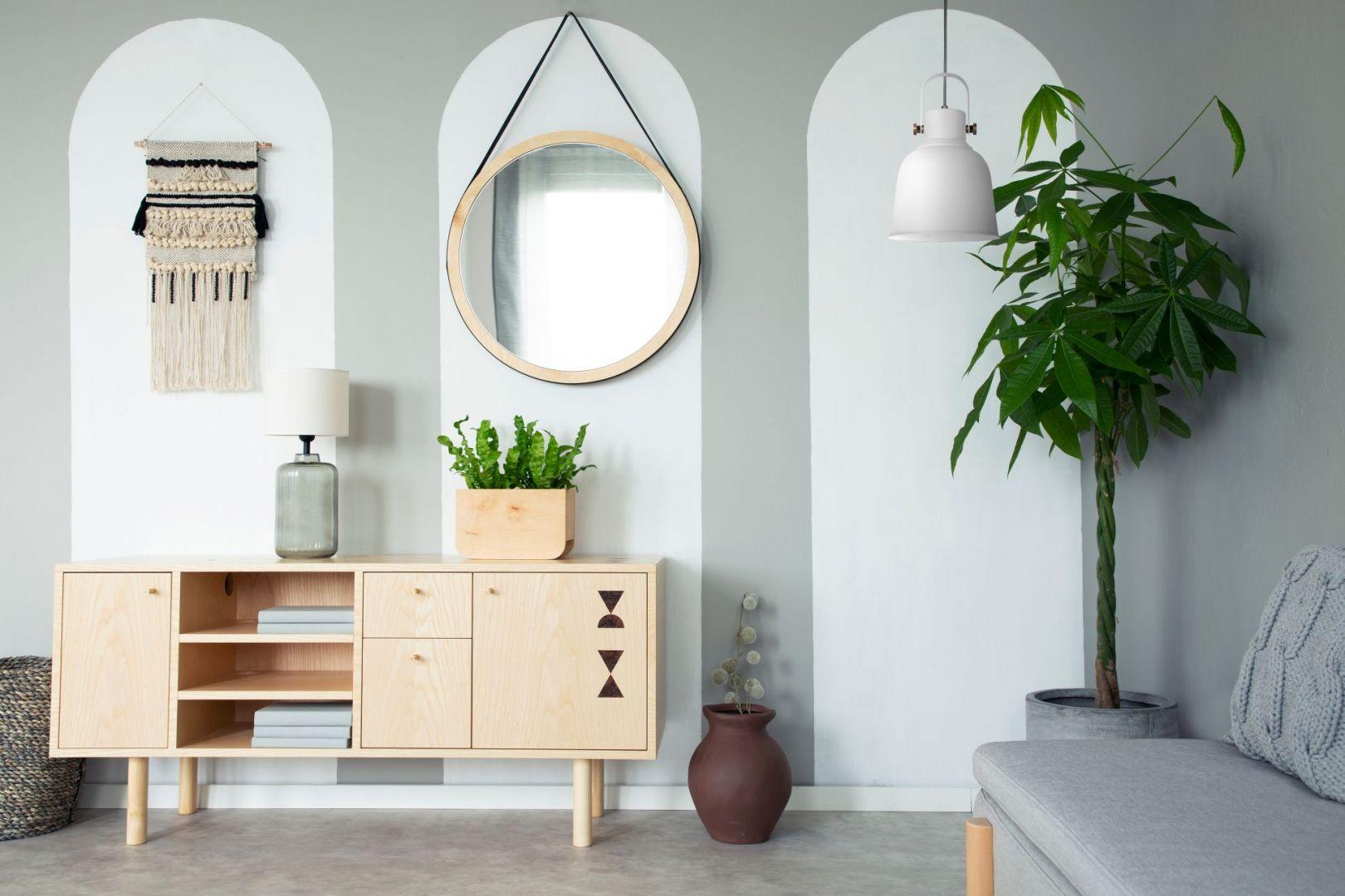 Lampy wiszące to punkt centralny każdego pomieszczenia – warto zatem zadbać, aby były nie tylko praktyczne, ale także piękne i pasujące do stylu naszego mieszkania. Fot. Activejet