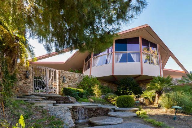 Dom, zaprojektowany w 1960 roku przez architektaWilliama Krisela to prawdziwa ikona amerykańskiego modernizmu. Zobaczcie wnętrze, które zachwyciło samego króla muzyki!