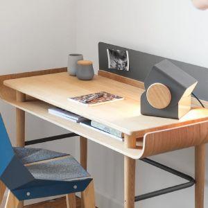 Biurko Gapa, materiał lite drewno dębowe, cięte numerycznie, wykańczane ręcznie i olejowane. Marka: Tabanda.