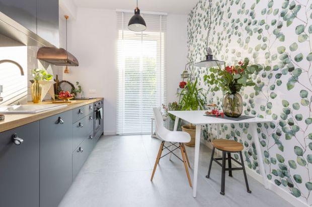 Marzysz o kolorowej kuchni? Przygotowaliśmy sporą porcję aranżacji, inspiracji i pomysłów na modny wystrój kuchni w 2021 roku. Obowiązkowo z kolorowymi szafkami kuchennymi!