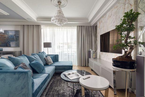 Stylowy, elegancki i ponadczasowy salon to przepis na wnętrze, które nigdy się nie znudzi. Jaką sofę lub narożnik wybrać do stylowego klasycznego salonu? Zobaczcie 9 pomysłów architektów.