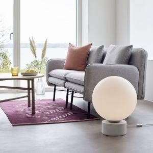 Biała lampa stojąca z marmurowymi detalami Hübsch Gitto, Bonami.pl, 2 009 zł