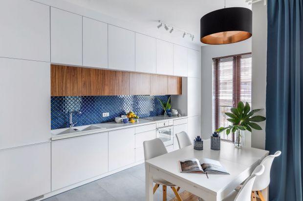Jak urządzić piękną i wygodną kuchnię w białym kolorze? Zobaczcie! Przygotowaliśmy dla Was kilka bardzo fajnych pomysłów i inspiracji.