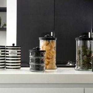 Pojemniki Pojemnik RM Ingreditients storage jar do kupienia w Miloo Home. Fot. Miloo Home / Riviera Maison