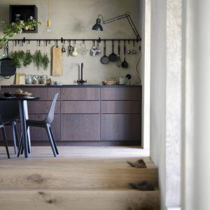 Bez względu na wielkość mieszkania, dzięki kilku dodatkom oraz systemom przechowywania jesteśmy w stanie zagospodarować przestrzeń tak, żeby najlepiej odpowiadała naszym potrzebom. Fot. IKEA