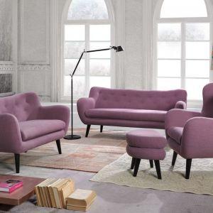 Trzyosobowa sofa George koresponduje ze stylem retro, nadając każdemu wnętrzu charakteru i nuty elegancji. Cena: od 2278 zł. Producent: Bydgoskie Meble