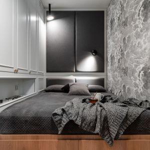 Pomysł na wąską i małą sypialnię w bloku. Projekt: Anna Maria Sokołowska, Katarzyna Nowak, pracownia Ann: Fotomohito