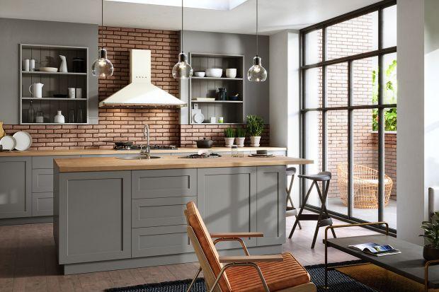 Projektowanie i urządzanie własnej przestronnej kuchni to bez wątpienia ogromna przyjemność, ale i wyzwanie, bowiem pomieszczenie o dużej powierzchni ma także swoje wymagania.