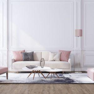 Dzięki różnorodności zastosowanych materiałów i bogatej kolorystyce, lampy z kolekcji Petit to doskonały dodatek do wnętrz minimalistycznych, jak i aranżacji w stylu nowoczesnym, a także neoklasycznym czy nawet glamour. Fot. Nowodvorski Lighting