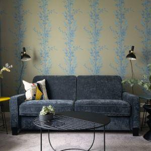 Sofa do małego salonu z kolekcji Jana dostępna w ofercie firmy Gala Collezione. Fot. Gala Collezione