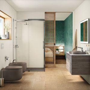 Organiczna kolekcja Beyond marki Roca w nowym kolorze Kawa. Kolorowe umywalki i miski wc to świetny pomysł na łazienkę z charakterem. Fot. Roca