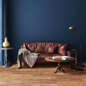 Drewniana podłoga teak. Fot. DHL