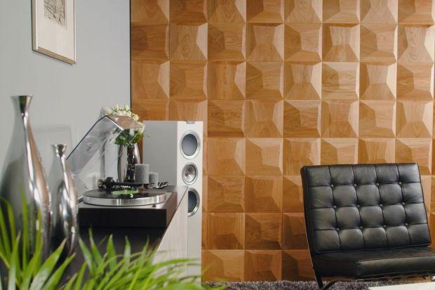 Te trójwymiarowe panele ścienne, wykonane z drewna ze zrównoważonych lasów, to dzieło polskiej marki Form At Wood. Jak wam się podoba takie wykończenie ściany?
