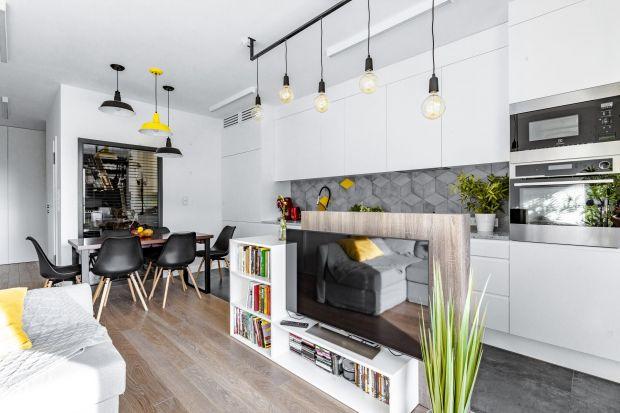 Dwupokojowe wnętrze dla muzyka: świetny patent na małe mieszkanie