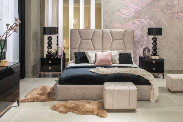 Elegancka i zmysłowa – tak jest sypialnia idealna. Panuje tu ład i harmonia, które budują atmosferę sprzyjającą relaksowi. Ciepłe beże, elegancka czerń i tak modne ostatnio złote detale stworzą kolorystyczną bazę dla stylowej aranżacji.