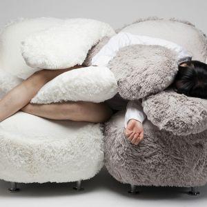 Free Hug Sofa to projekt Lee Eun Kyoung, młodej projektantki z Korei z Korei Południowej. Fot. Lee Eun Kyoung