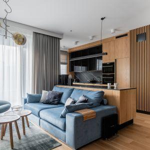 Niebieski wypoczynek w salonie. Projekt Anna Maria Sokołowska. Fot. Fotomohito