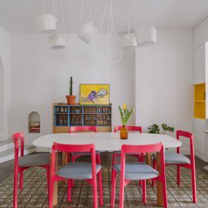 Eklektyczna jadalnia łączy styl vintage z nowoczesnością. Projekt: Agata Ambrożewska, Agata Krzemińska,  pracownia A+A. Zdjęcia: PION Studio